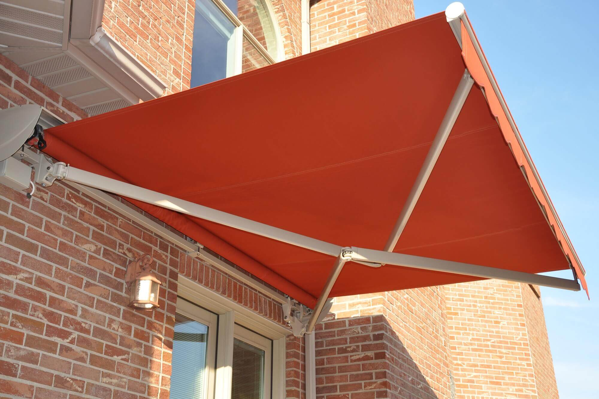manual retractable folding arm awnings