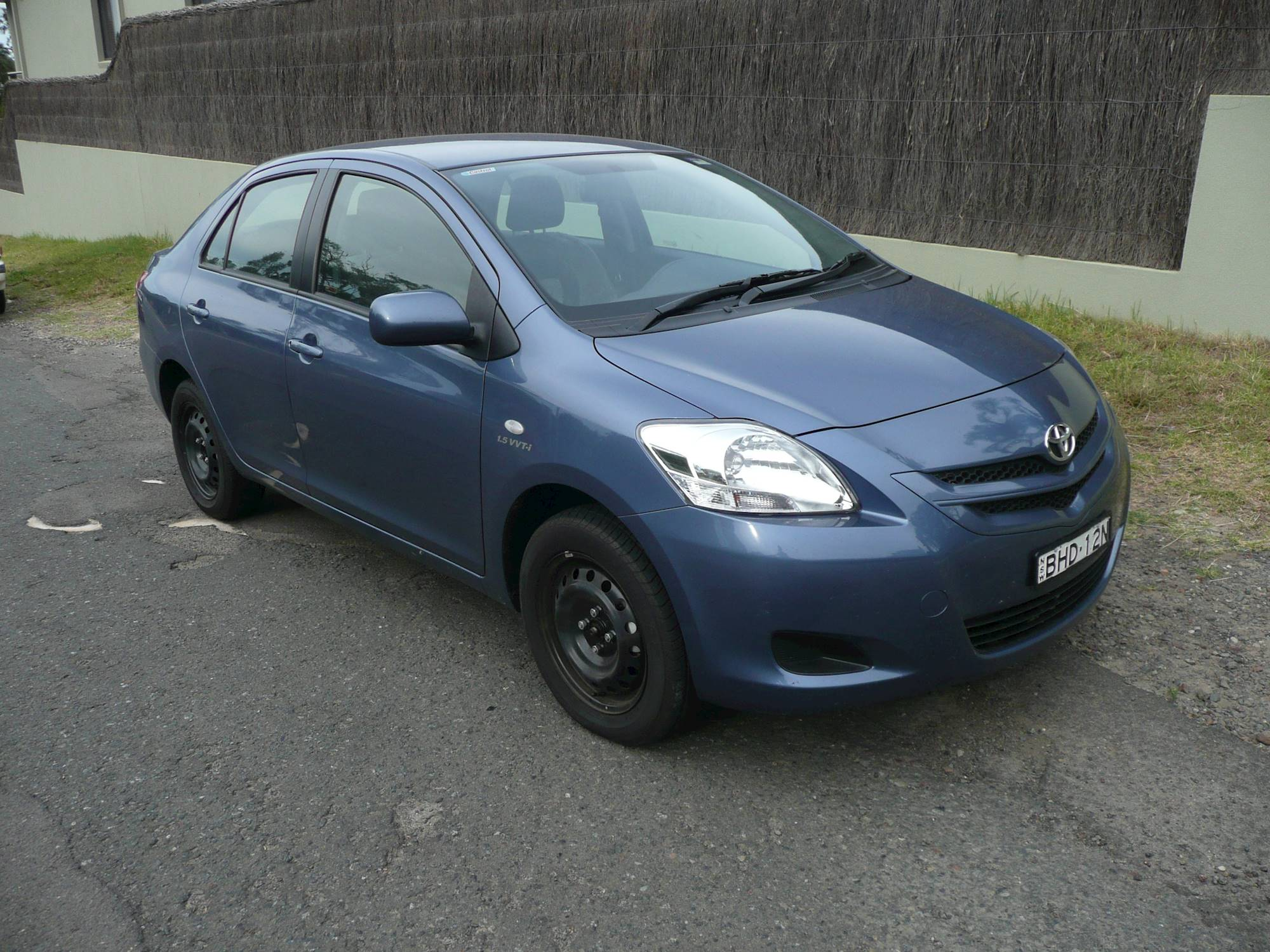 2007 toyota yaris manual sedan