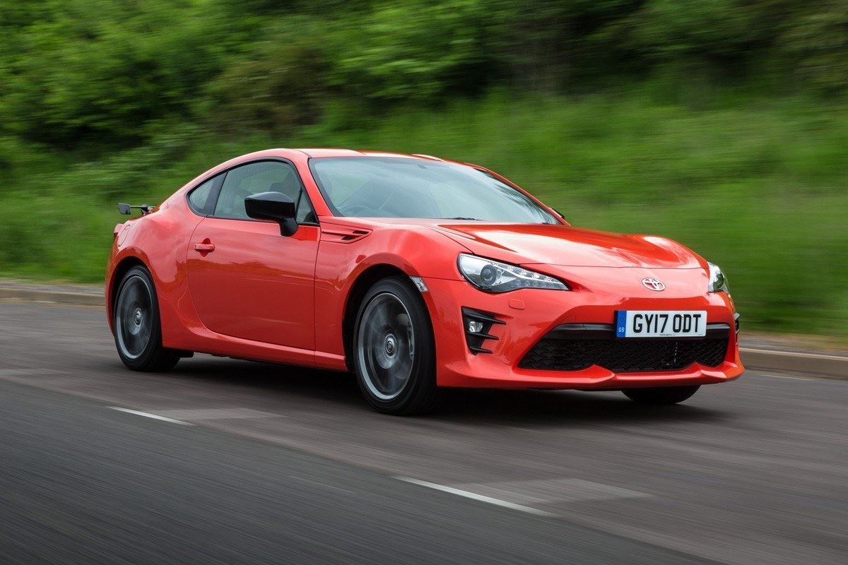 is toyota 86 good to learn manual