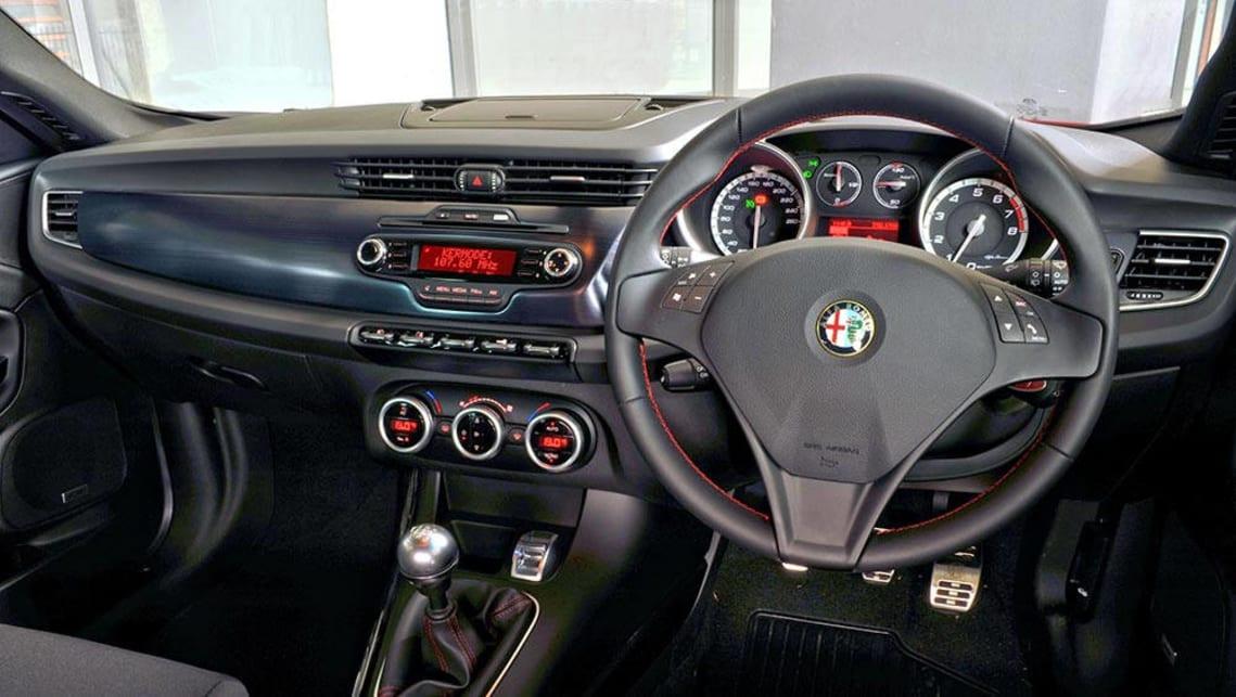 2011 alfa romeo giulietta qv manual review
